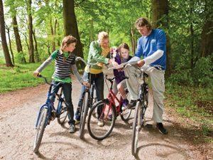 Familie en actieve arrangementen