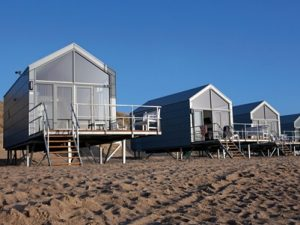 De strandhuisjes van Landal Julianadorp zijn luxe en beschikken over een adembenemend uitzicht.