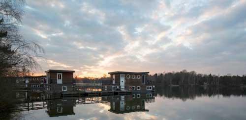 Woonboot op Center De Kempervennen, (Noord-Brabant) Nederland