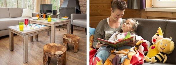 Foto links: Inrichting woonkamer kinderbungalow. Foto rechts: Moeder met kind aan het lezen, knuffels naast hen op de bank.
