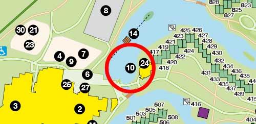 Op de plattegrond van Landal Het Vennenbos wordt de locatie van de waterfietsen aangegeven met nummer 10