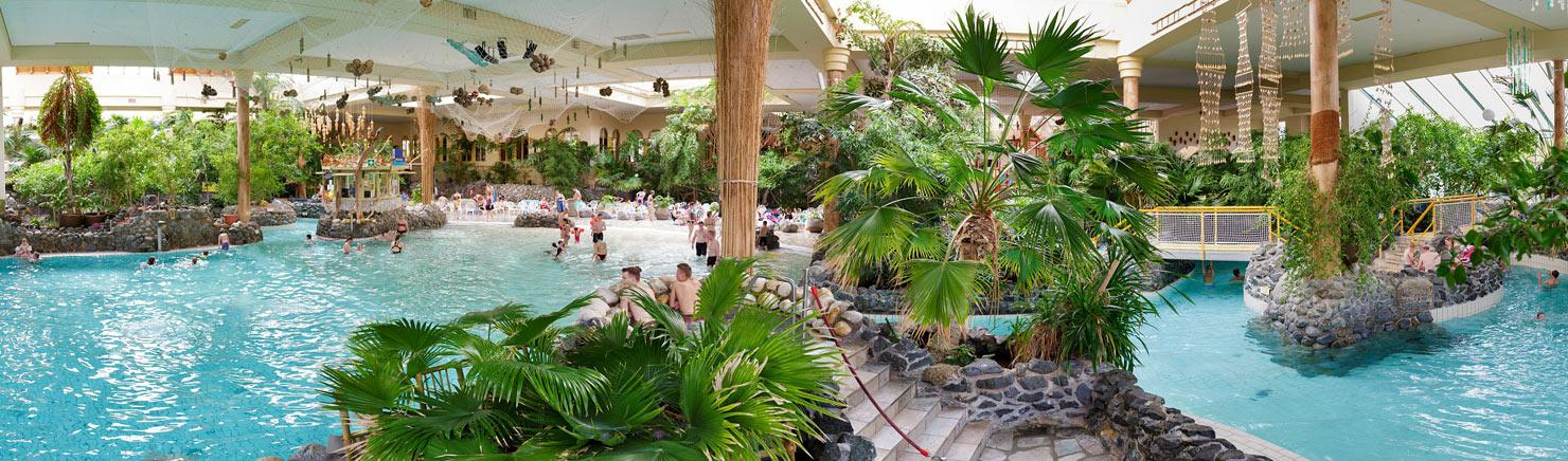 goedkope vakantieparken met subtropisch zwembad. Black Bedroom Furniture Sets. Home Design Ideas
