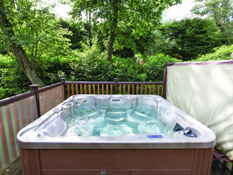 Luxe 4-persoonschalet Elite Vogue 2 Spa Plus 4LJ, Landal Darwin Forest (Engeland)