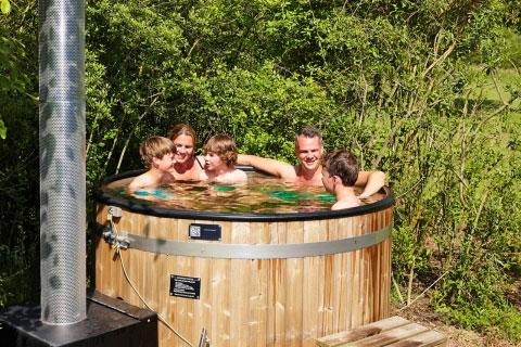 Luxe 6-Persoonsbungalow Damhert Hottub, Vakantiepark Dierenbos (Noord-Brabant)