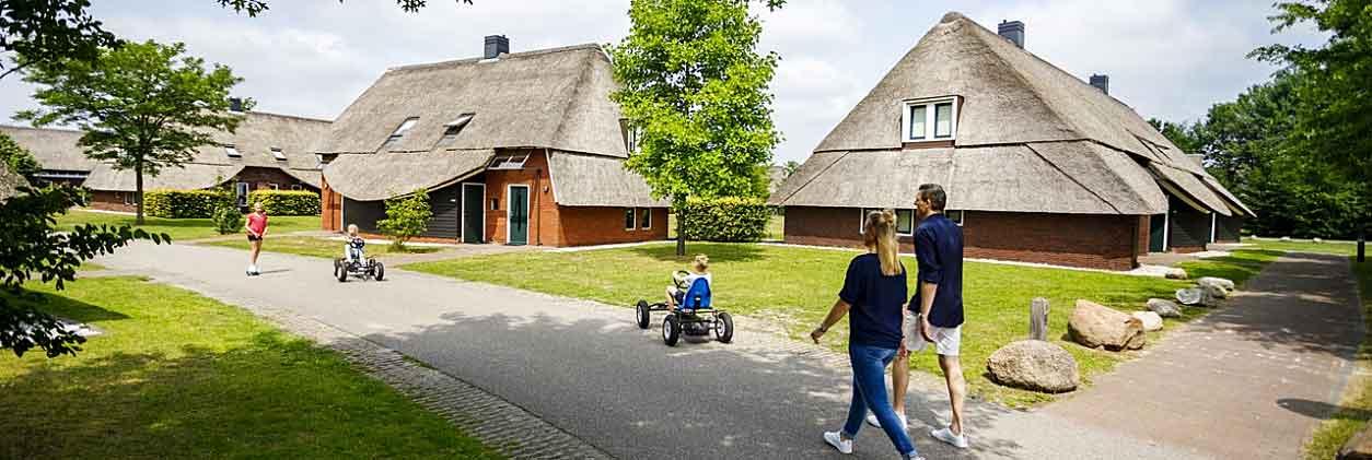 Hof van Saksen is een heel luxe vakantieresort met mooie vakantiewoningen die van alle gemakken zijn voorzien. Op het park kun je leuke activiteiten ondernemen, maar ook heerlijk wandelen