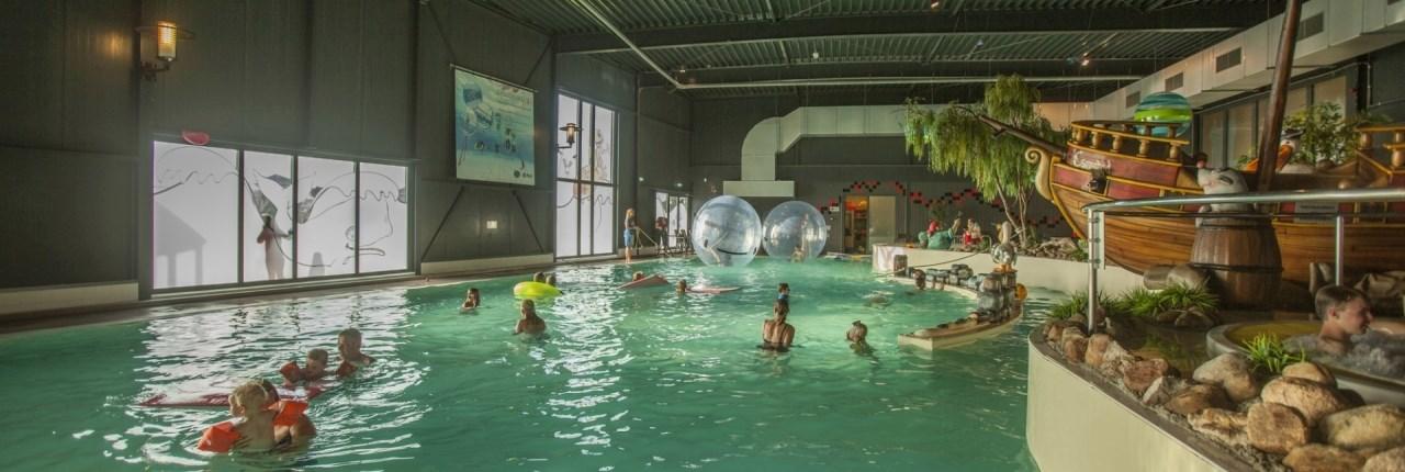 Landal parken met overdekt zwembad + peuterbad en babyzwemmen