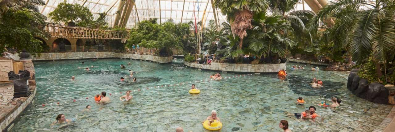 Zwemkaartjes voor onbeperkt toegang tot Aqua Mundo zijn inbegrepen bij je verblijf bij Center Parcs De Eemhof!