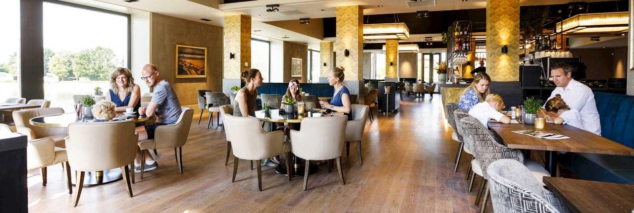 Het Hof van Saksen ontbijtbuffet vind je in self-service restaurant Al Fresco gevestigd in Havezate (hoofdgebouw van het vakantieresort)