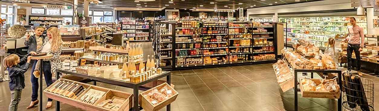 Bij supermarkt Noordermarkt op Hof van Saksen kun je allerlei lekker eten en drinken kopen