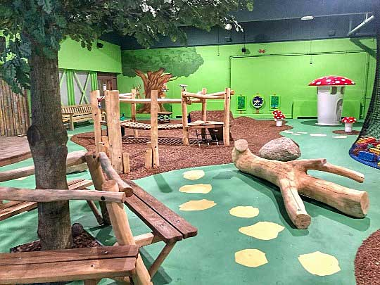 Het vernieude Indoor Speelparadijs: Dierenbos (gevestigd vlakbij de bowlingbanen)