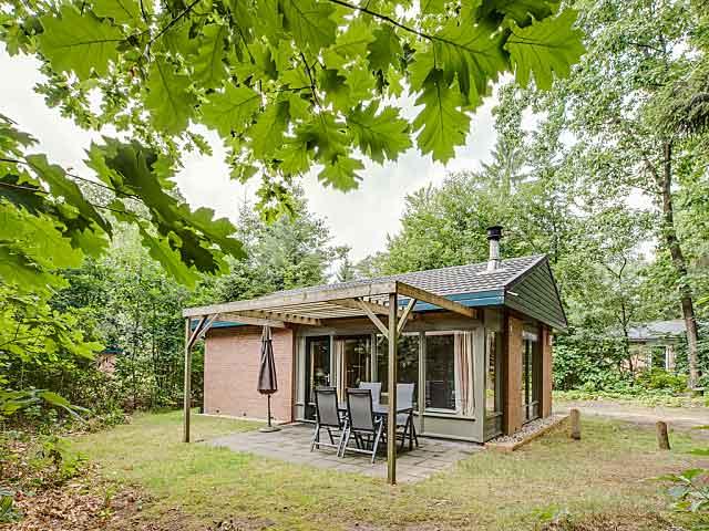 Bungalow in het groen bij een Landal vakantiepark in Gelderland