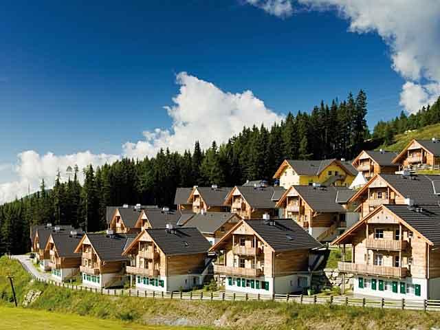 Mooie vakantie appartementen in chalets bij een vakantiepark in de bergen van Landal GreenParks