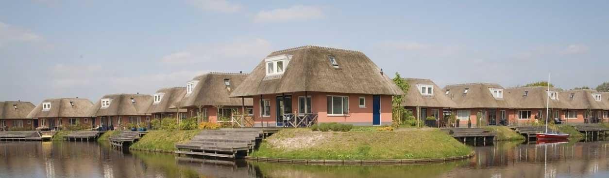 Negatief reisadvies buitenland zorgt voor run op huisjes in Nederland