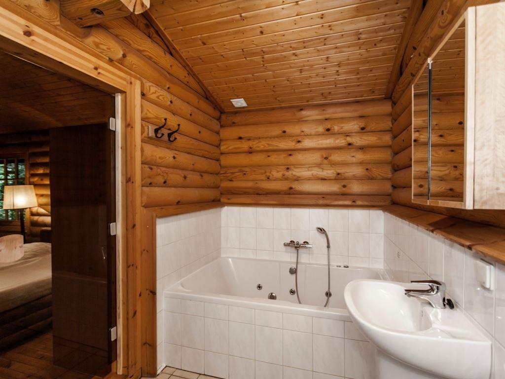 Badkamer in de oude situatie (linkerdeel)